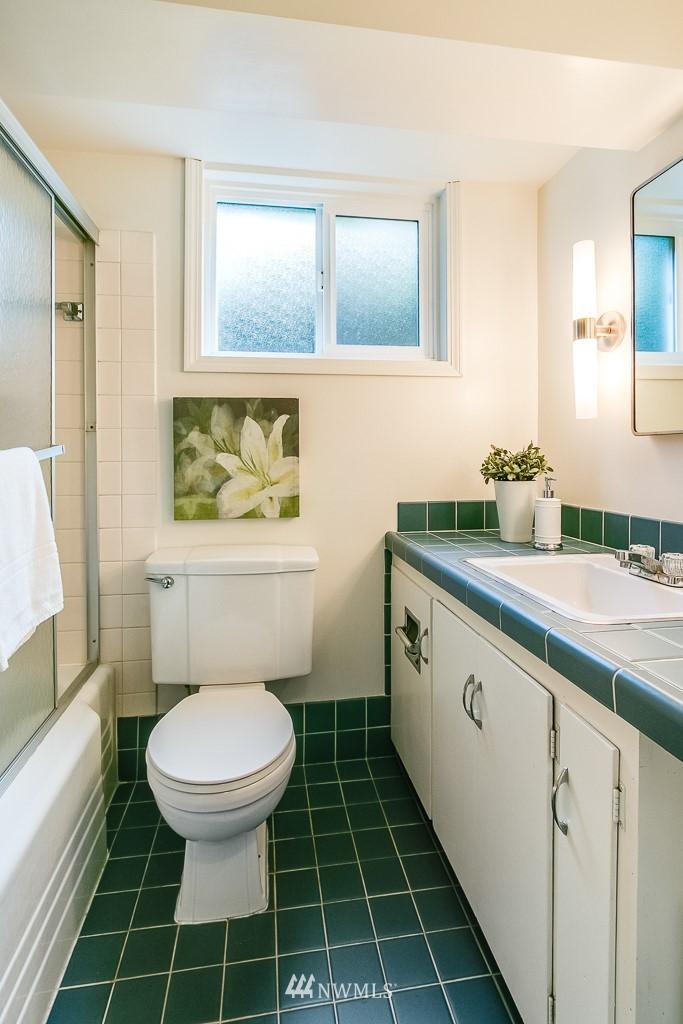 Sold Property | 8002 20th Avenue NE Seattle, WA 98115 16