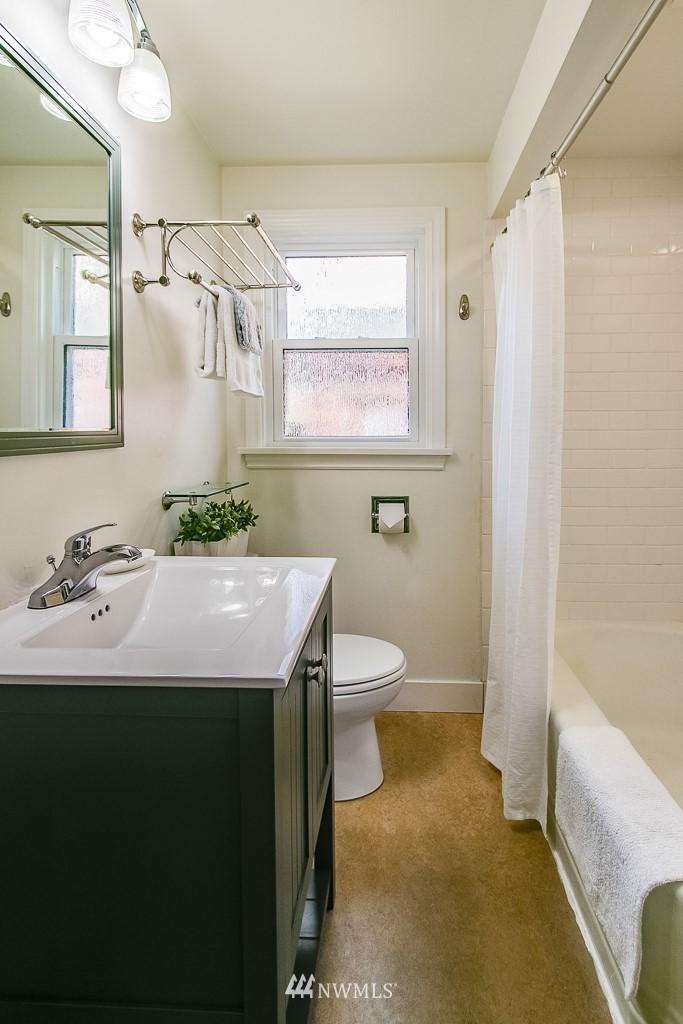 Sold Property | 8002 20th Avenue NE Seattle, WA 98115 10