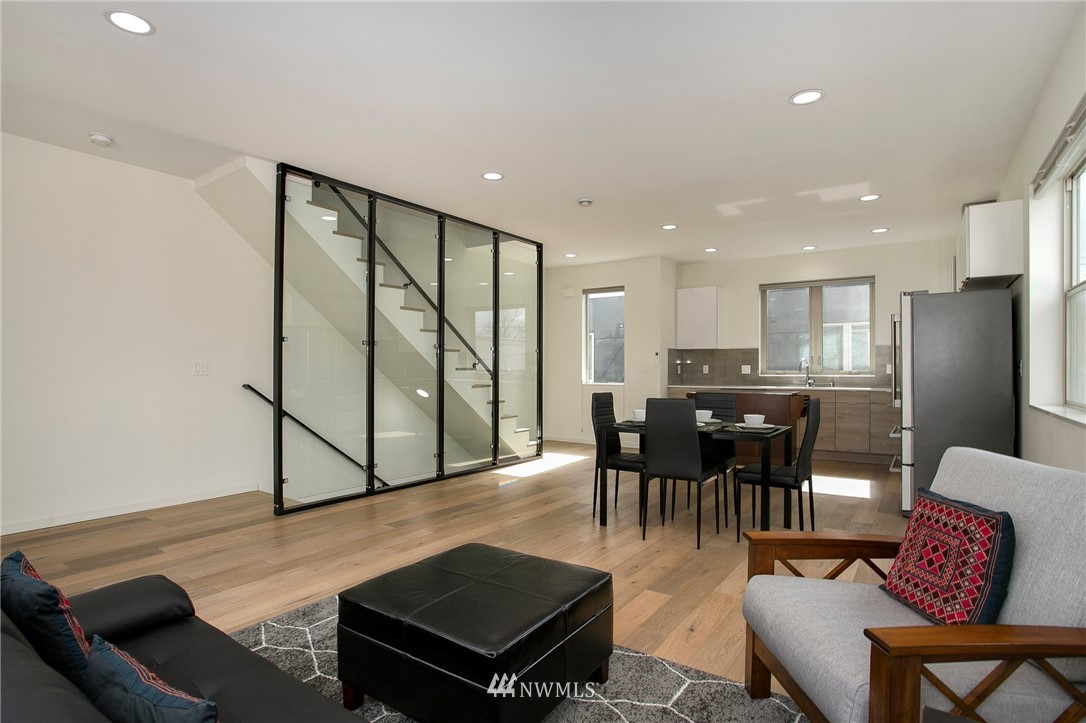 Sold Property   708 S Orcas Street Seattle, WA 98108 3