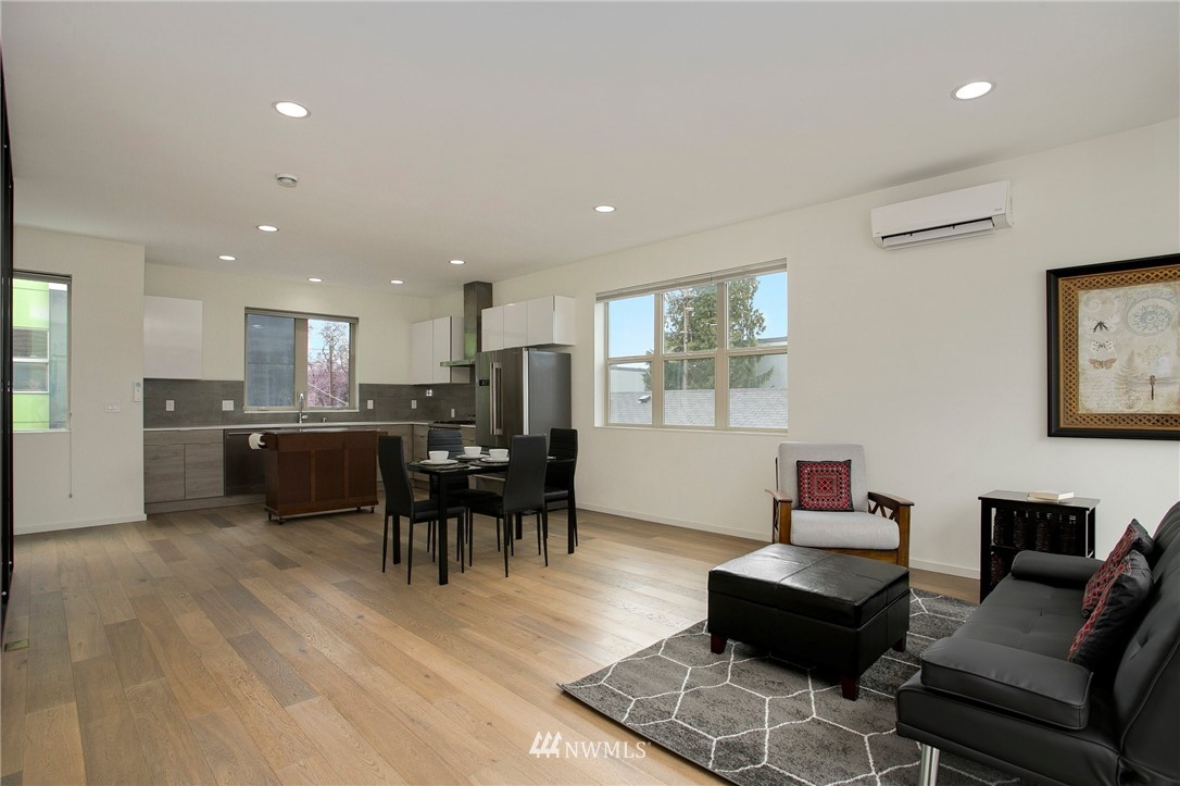 Sold Property   708 S Orcas Street Seattle, WA 98108 4