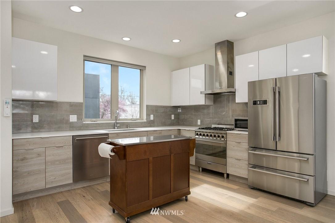 Sold Property   708 S Orcas Street Seattle, WA 98108 9