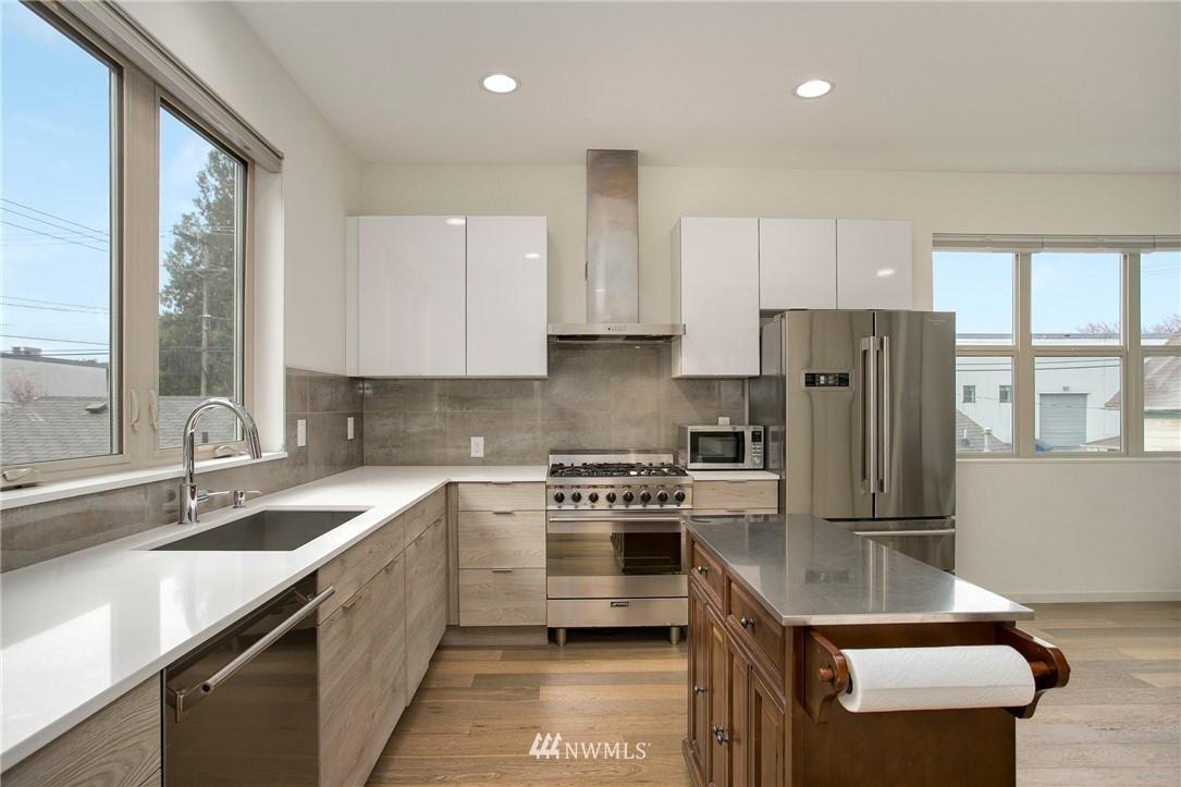 Sold Property   708 S Orcas Street Seattle, WA 98108 10
