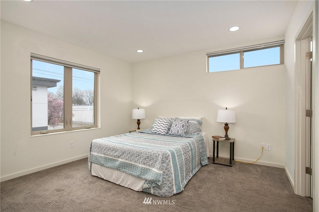 Sold Property   708 S Orcas Street Seattle, WA 98108 16
