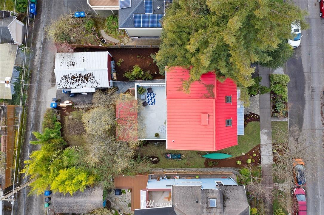Sold Property   2133 N 63rd Street Seattle, WA 98103 33