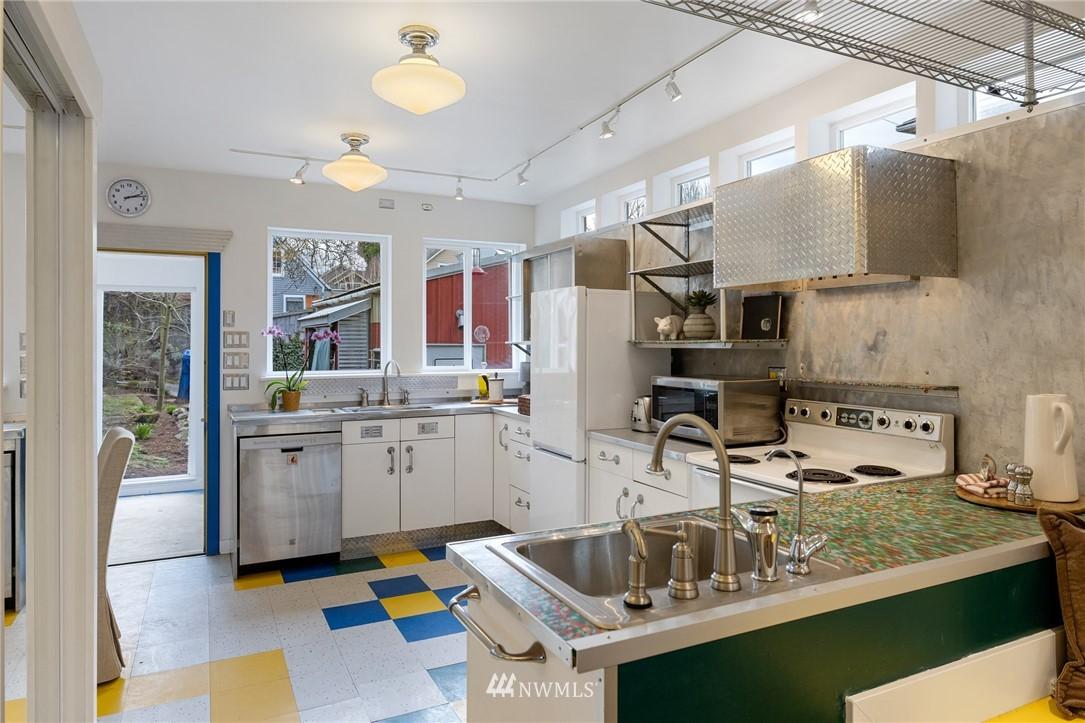 Sold Property   2133 N 63rd Street Seattle, WA 98103 10