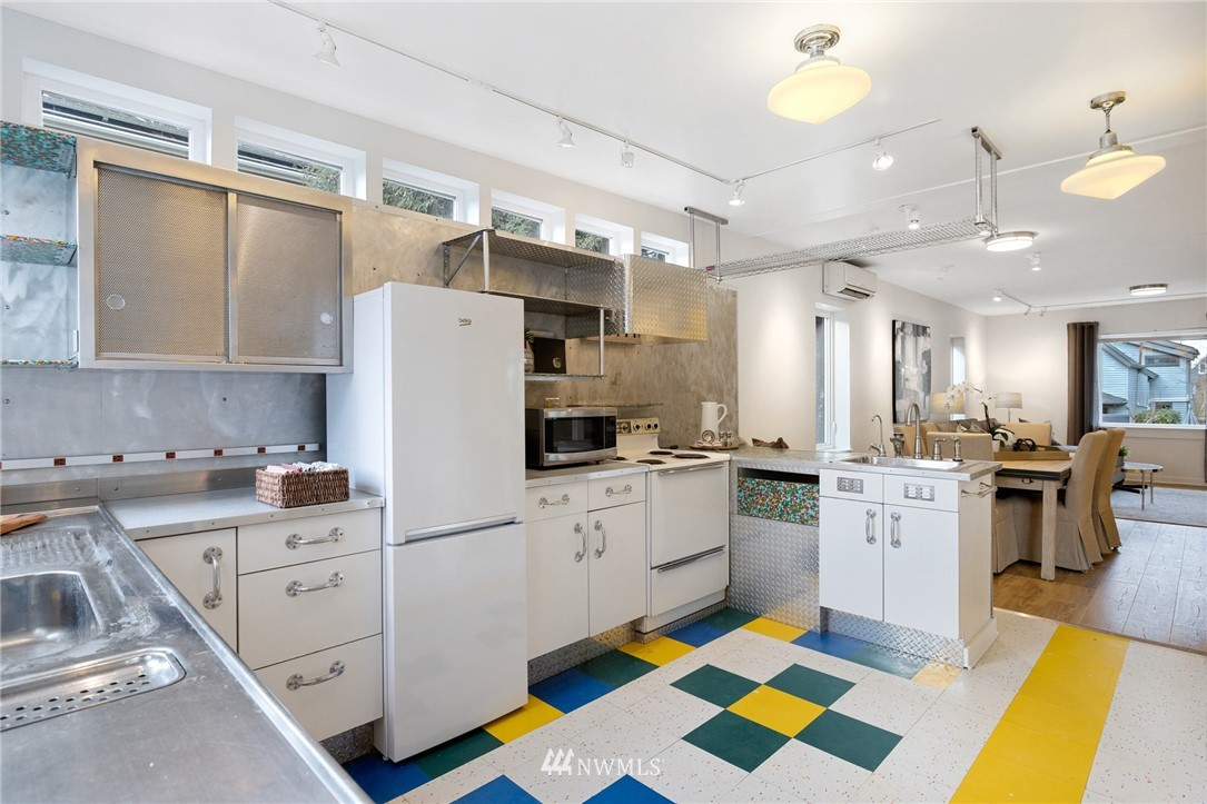 Sold Property   2133 N 63rd Street Seattle, WA 98103 11