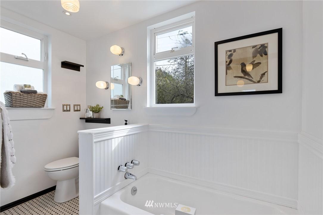 Sold Property   2133 N 63rd Street Seattle, WA 98103 24