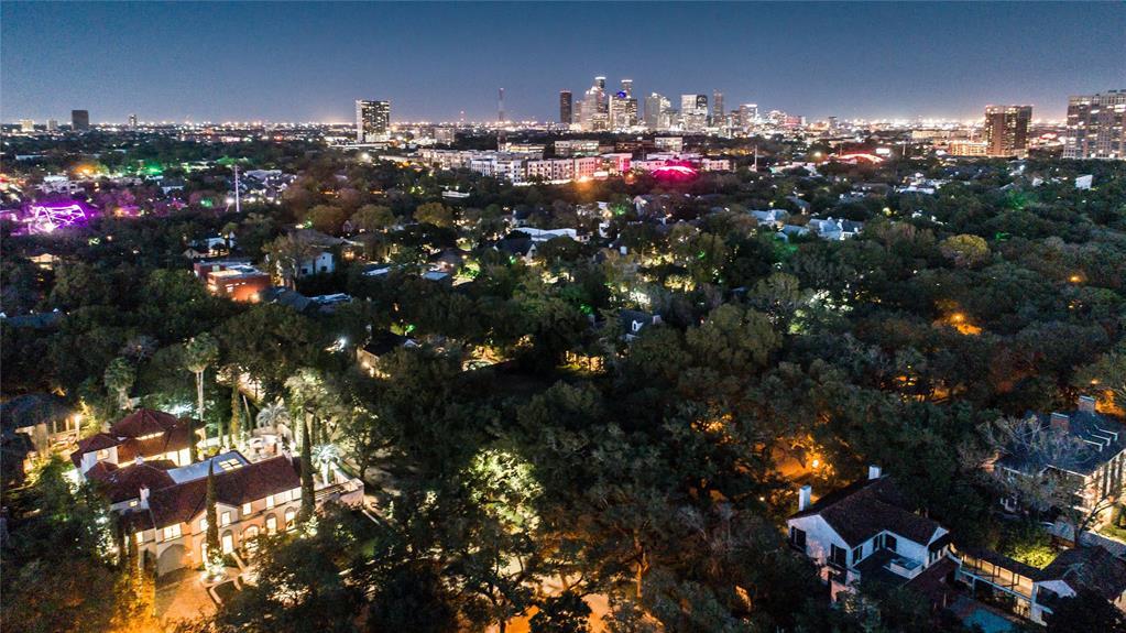 Active | 1604 North Boulevard Houston, Texas 77006 31