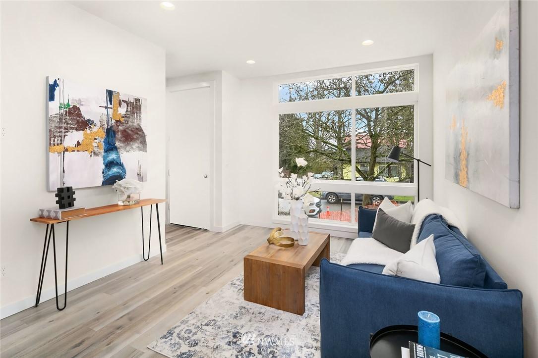 Sold Property | 9201 Linden Avenue N #D Seattle, WA 98103 3