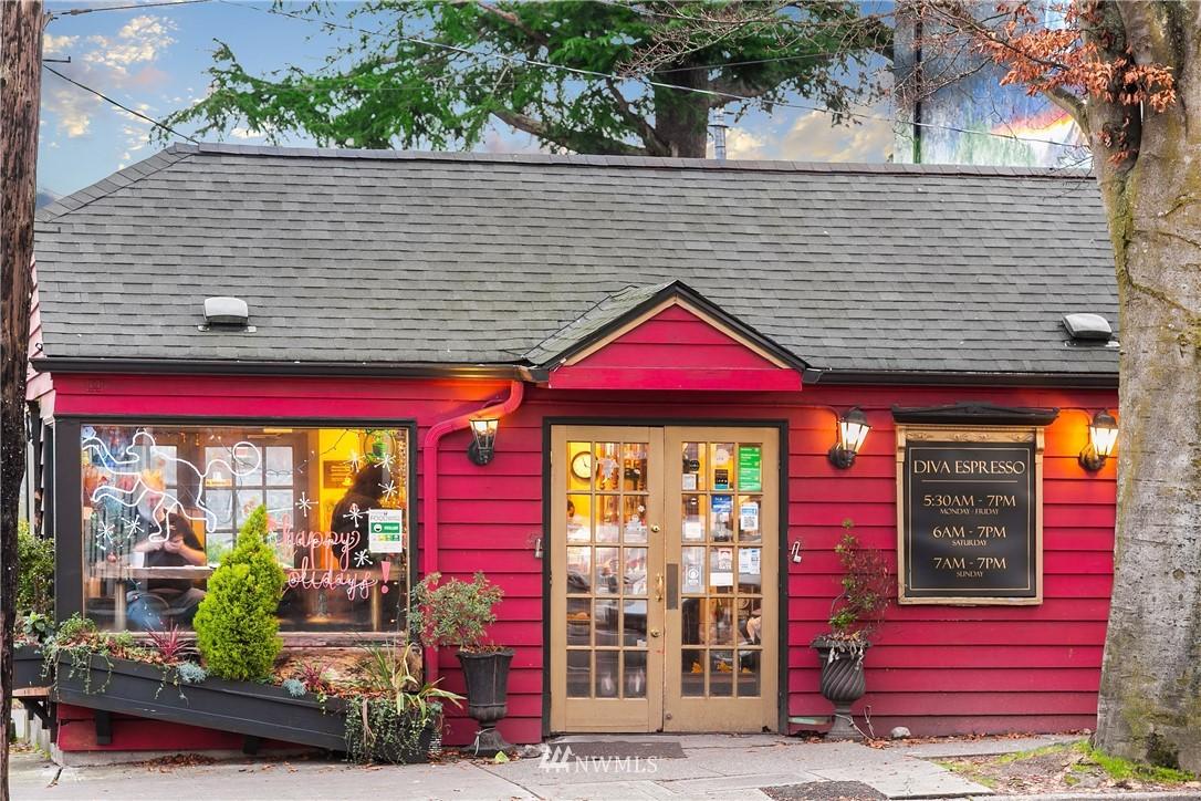 Sold Property | 9201 Linden Avenue N #D Seattle, WA 98103 25