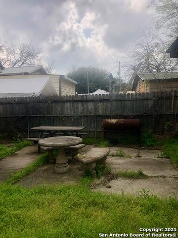 Homes for sale in San Antonio | 227 W HART AVE San Antonio, TX 78214 17