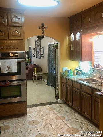 Homes for sale in San Antonio | 227 W HART AVE San Antonio, TX 78214 9