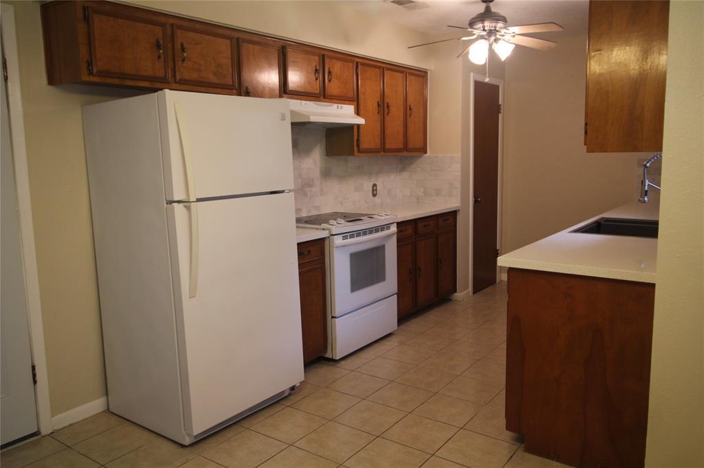 Active   3902 Allenbrook Drive Baytown, Texas 77521 11