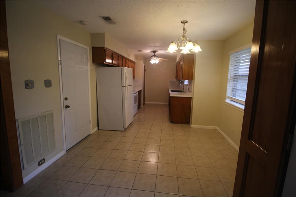 Active   3902 Allenbrook Drive Baytown, Texas 77521 16