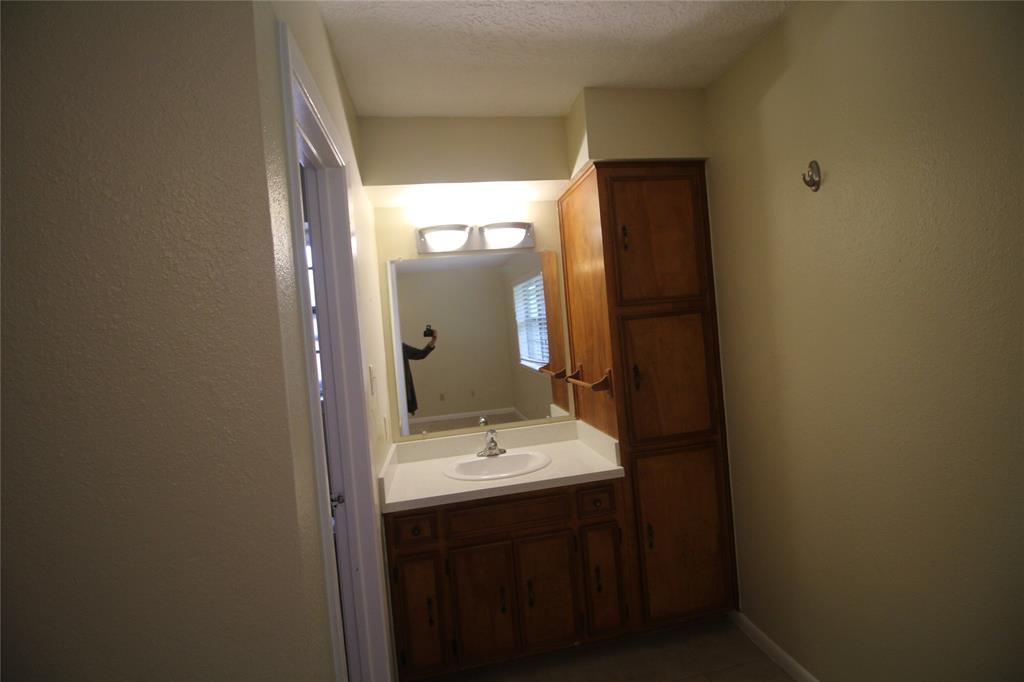 Active   3902 Allenbrook Drive Baytown, Texas 77521 20
