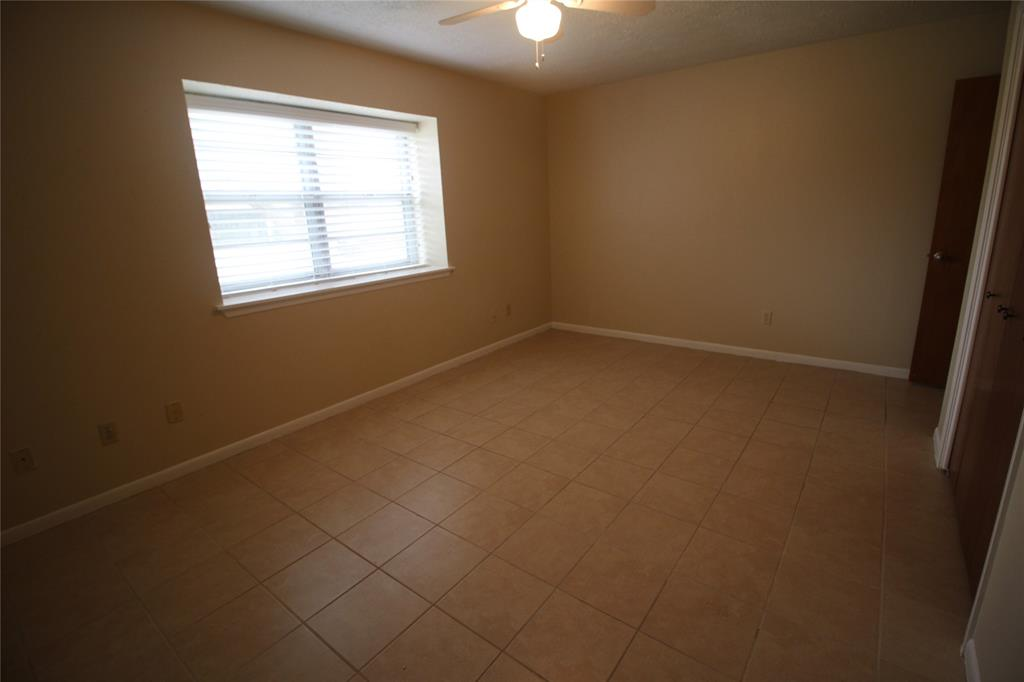Active   3902 Allenbrook Drive Baytown, Texas 77521 21