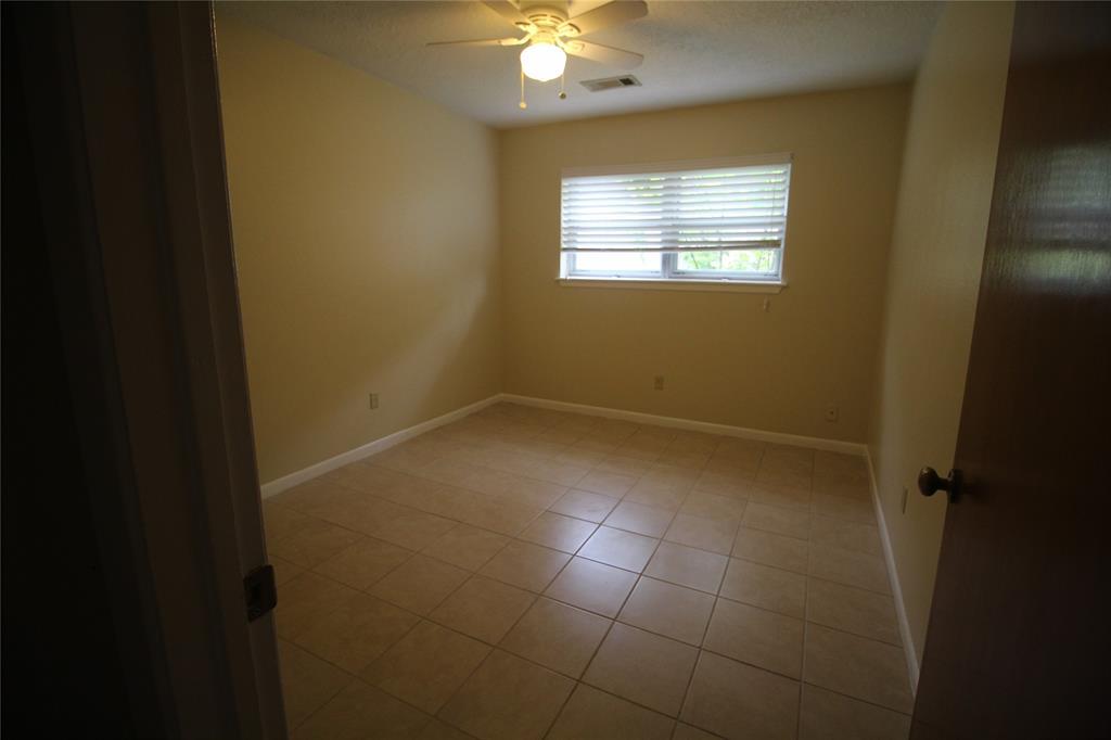 Active   3902 Allenbrook Drive Baytown, Texas 77521 23
