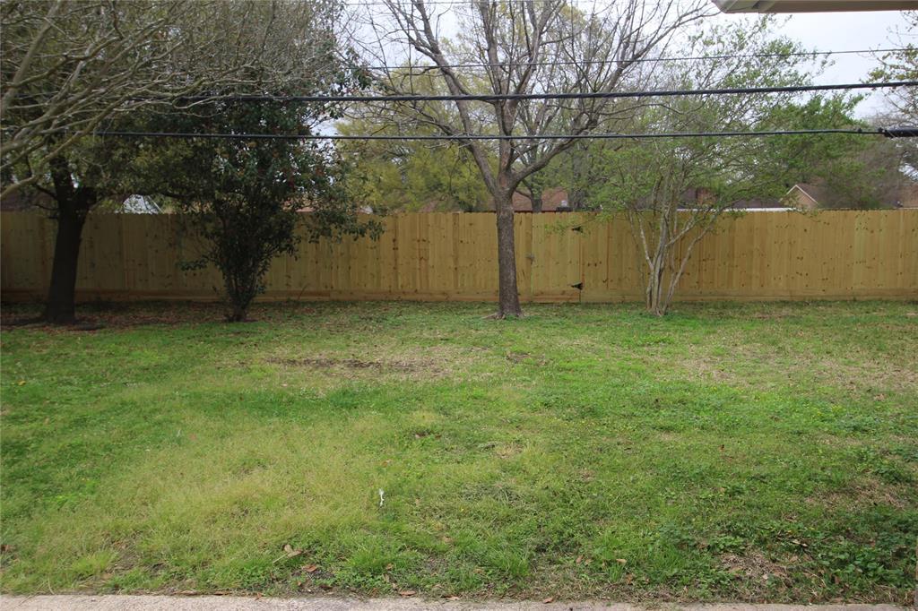 Active   3902 Allenbrook Drive Baytown, Texas 77521 31