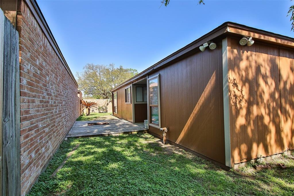Off Market   16907 Amidon Drive Spring, Texas 77379 38