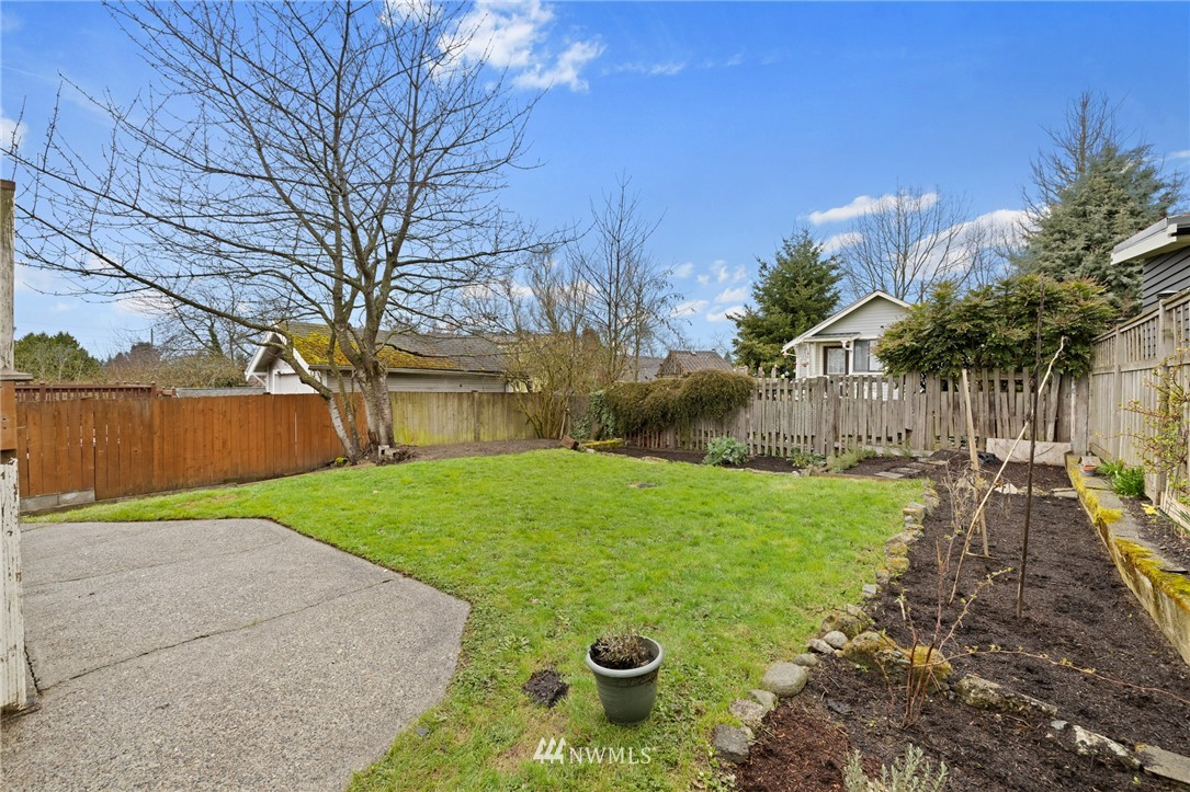 Sold Property   108 NW 79th Street Seattle, WA 98117 23
