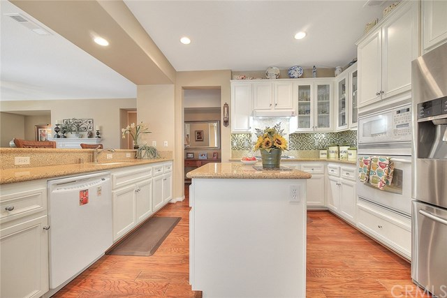 Active Under Contract   455 Yellowstone Park Beaumont, CA 92223 12
