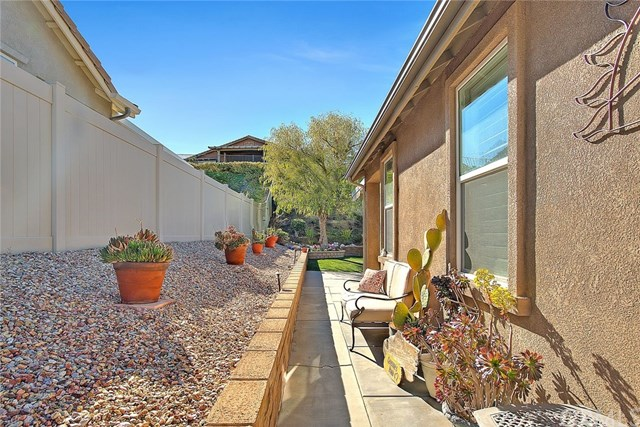 Active Under Contract   455 Yellowstone Park Beaumont, CA 92223 63