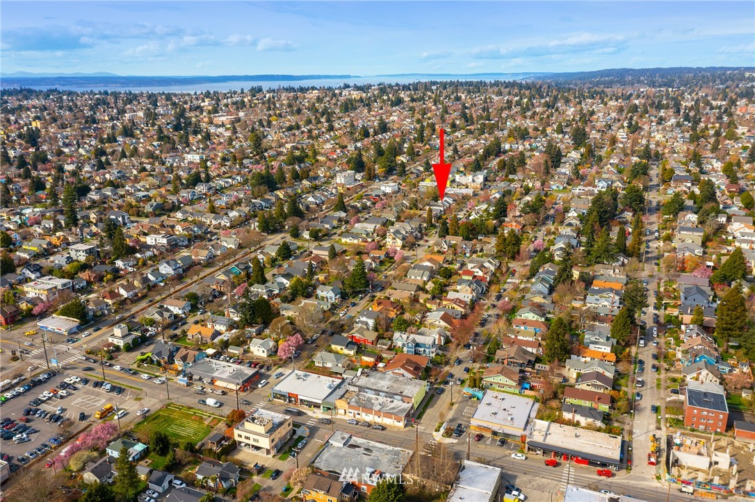 Sold Property | 6739 7th Avenue NW Seattle, WA 98117 3