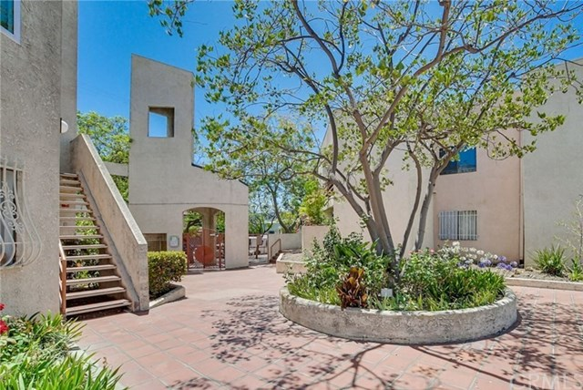 Active Under Contract | 1425 W 12th Street #258 Los Angeles, CA 90015 1