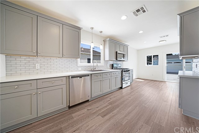 Active Under Contract | 4910 W 131st Street Hawthorne, CA 90250 3