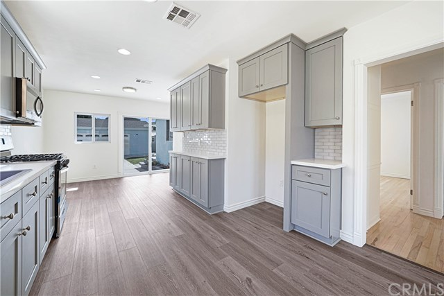 Pending | 4910 W 131st Street Hawthorne, CA 90250 4