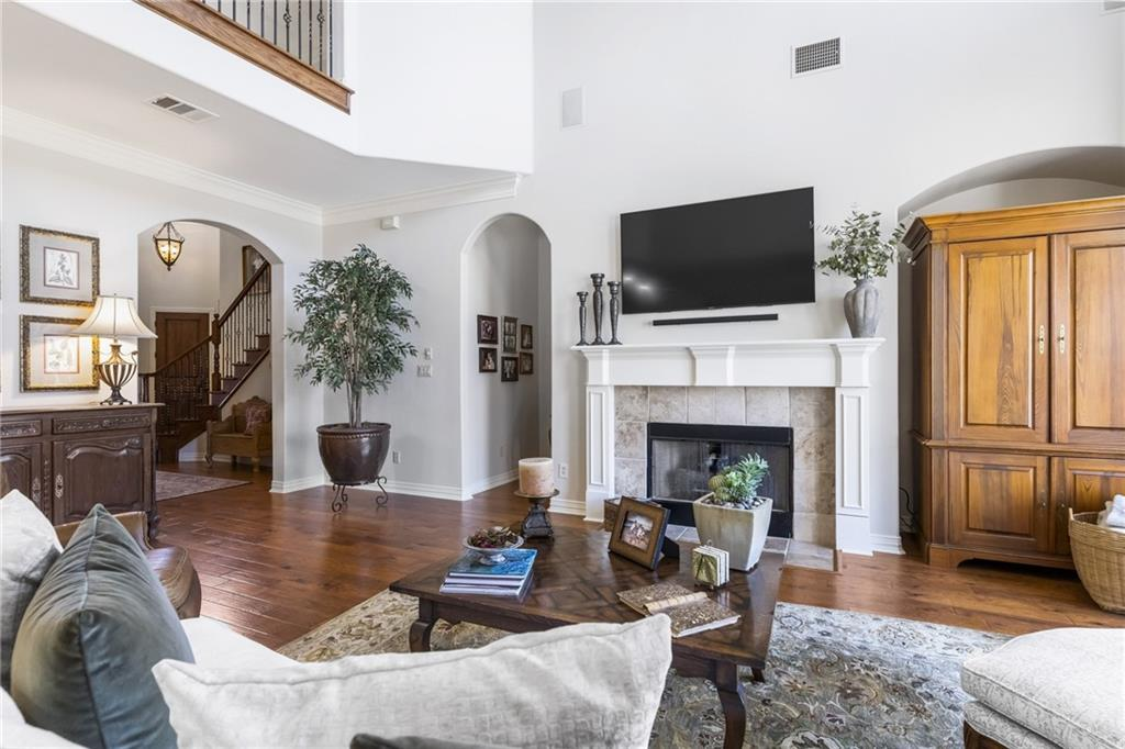 ActiveUnderContract   13205 Country Trails Lane Austin, TX 78732 8