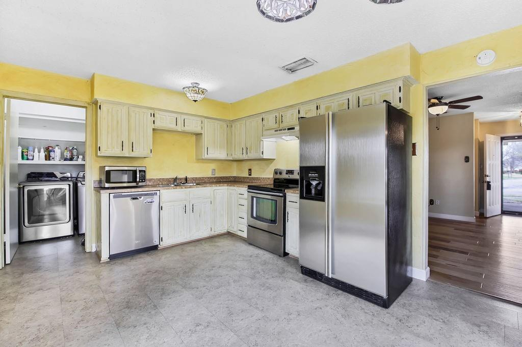 Sold Property | 236 Glenwood Drive Coppell, Texas 75019 12