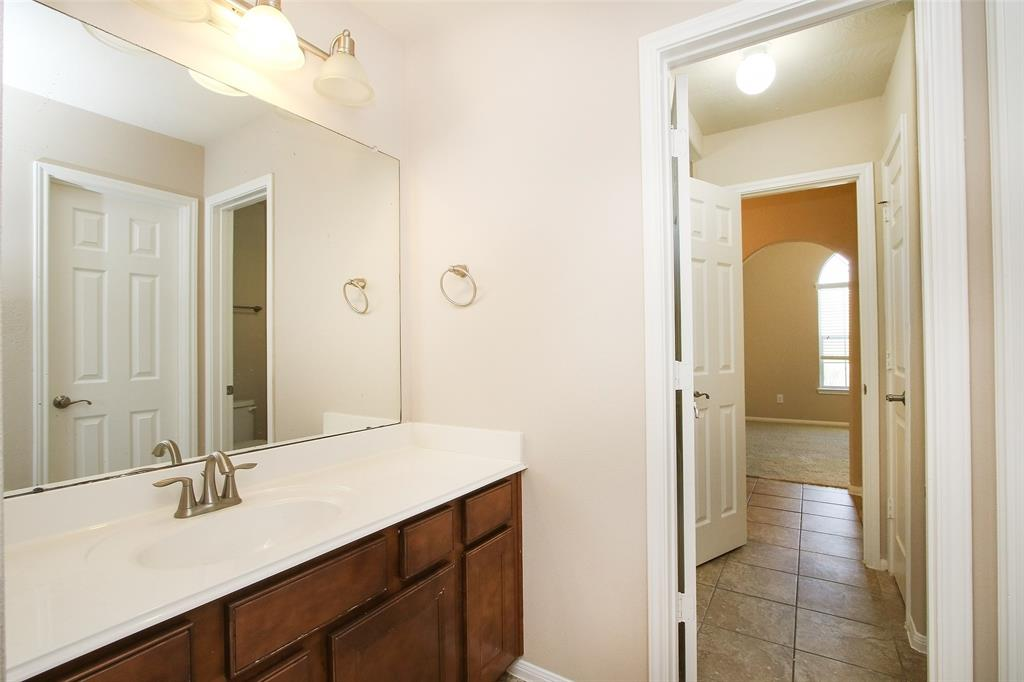 Off Market   5607 Silverthorn Glen Spring, Texas 77379 34
