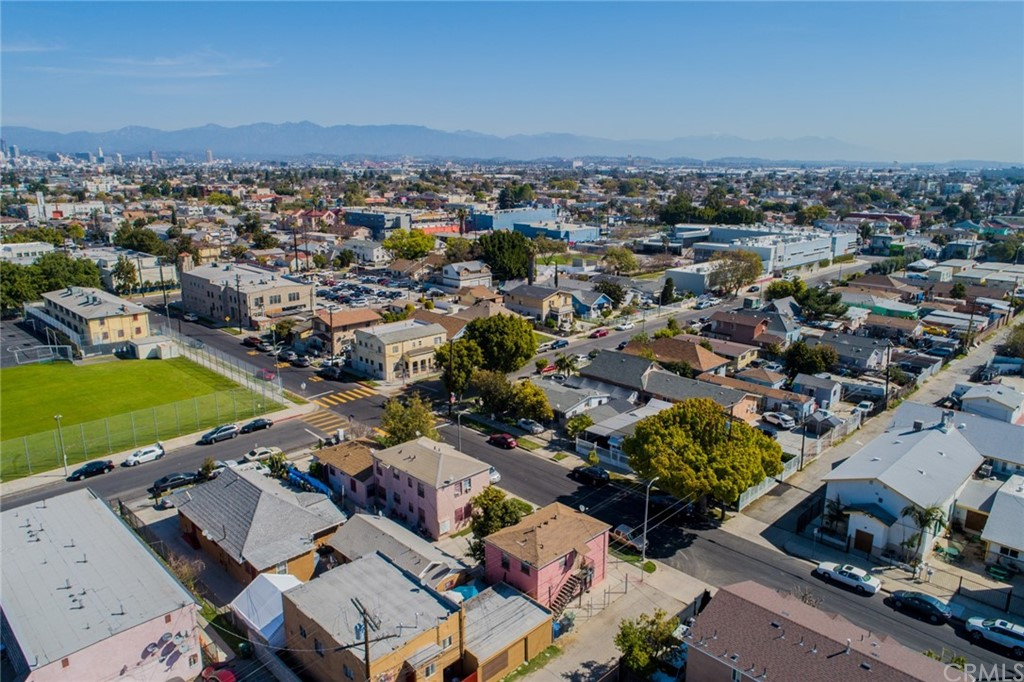 Pending | 4607 Wadsworth Avenue Los Angeles, CA 90011 16
