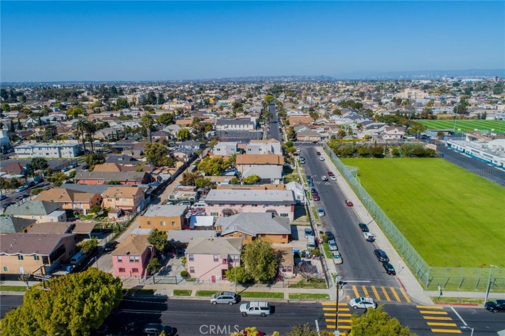 Pending | 4607 Wadsworth Avenue Los Angeles, CA 90011 2