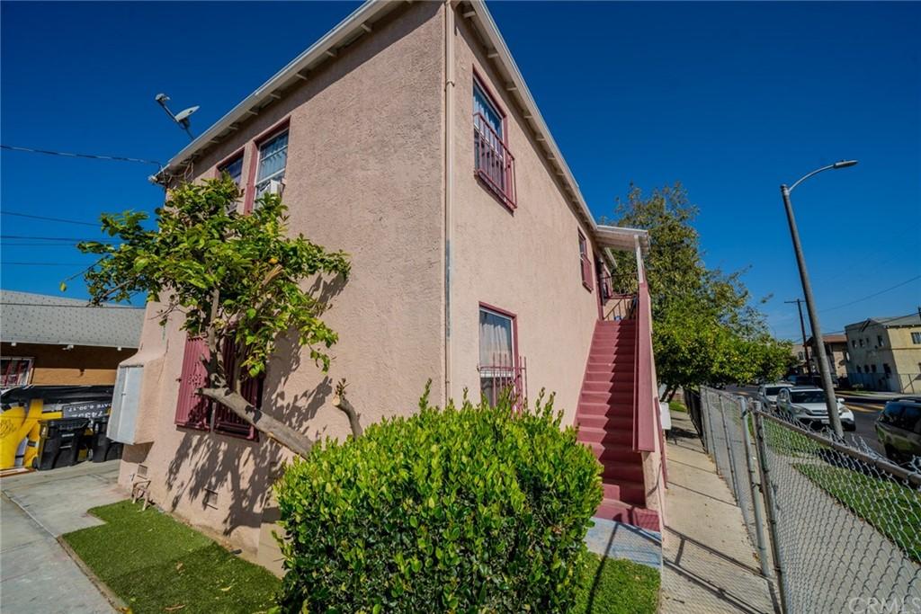 Pending | 4607 Wadsworth Avenue Los Angeles, CA 90011 6