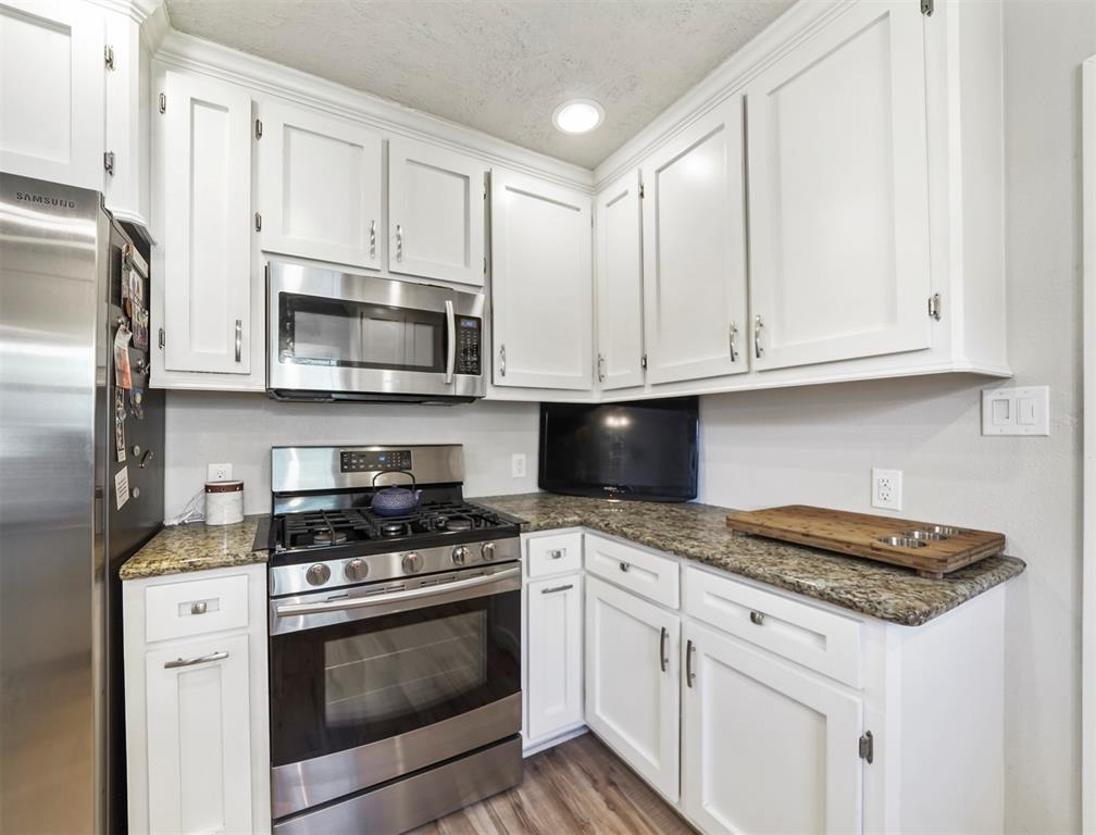 Option Pending | 1500 N San Jacinto Street Conroe, Texas 77301 12