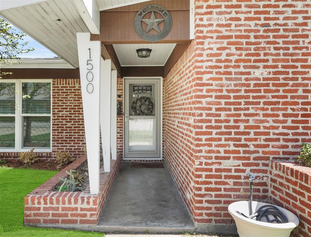Option Pending | 1500 N San Jacinto Street Conroe, Texas 77301 3