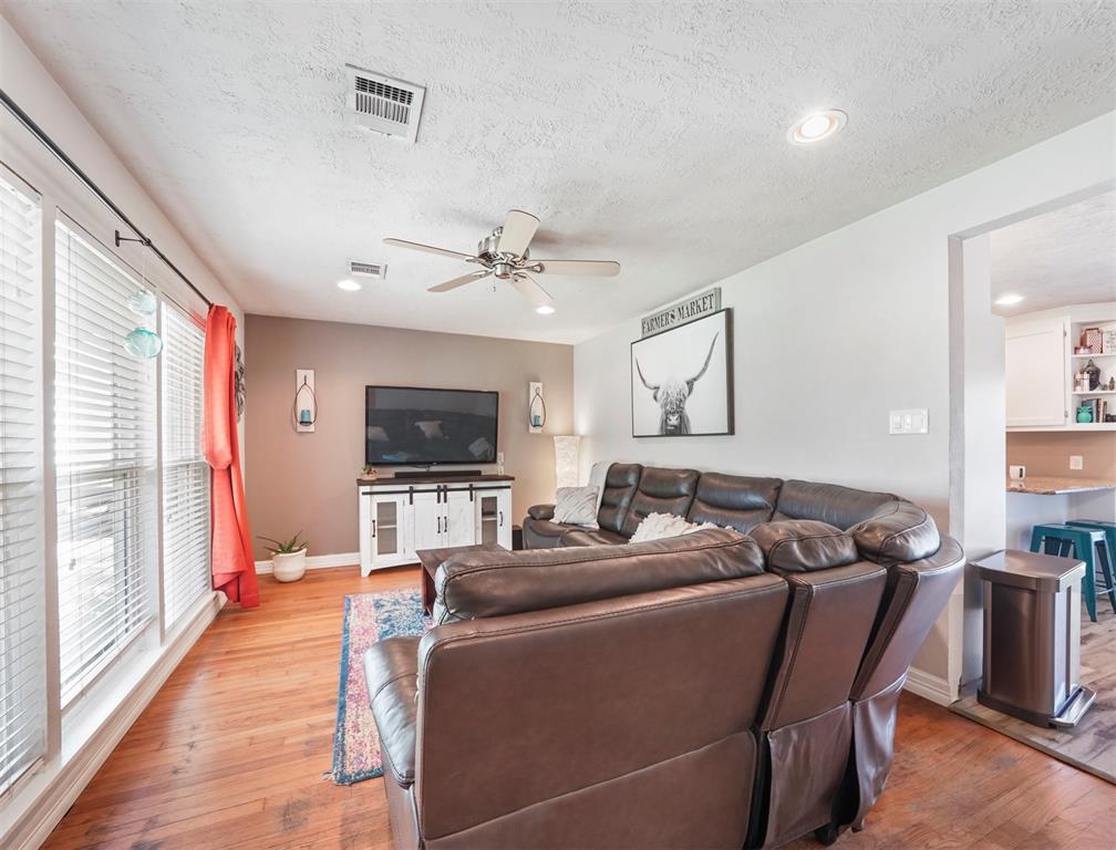 Option Pending | 1500 N San Jacinto Street Conroe, Texas 77301 5