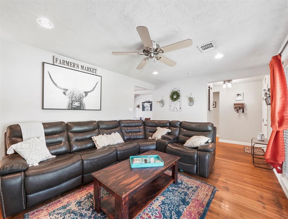 Option Pending | 1500 N San Jacinto Street Conroe, Texas 77301 6