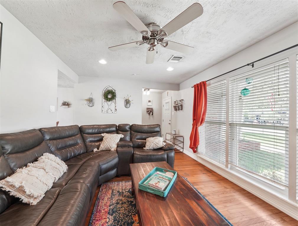 Option Pending | 1500 N San Jacinto Street Conroe, Texas 77301 7