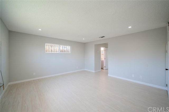 Pending | 1631 E 114th Street Los Angeles, CA 90059 7