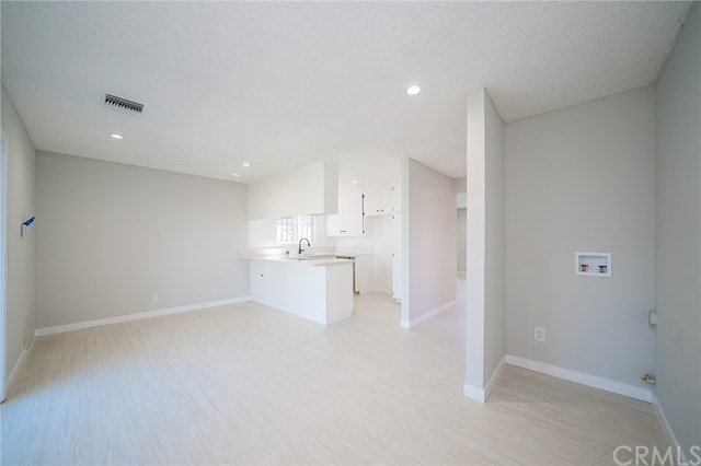 Pending | 1631 E 114th Street Los Angeles, CA 90059 15