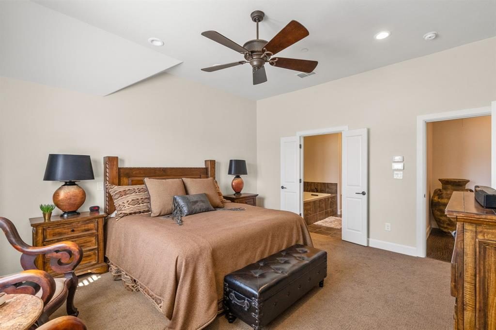 Pending | 5029 Calloway Drive Addison, Texas 75001 10