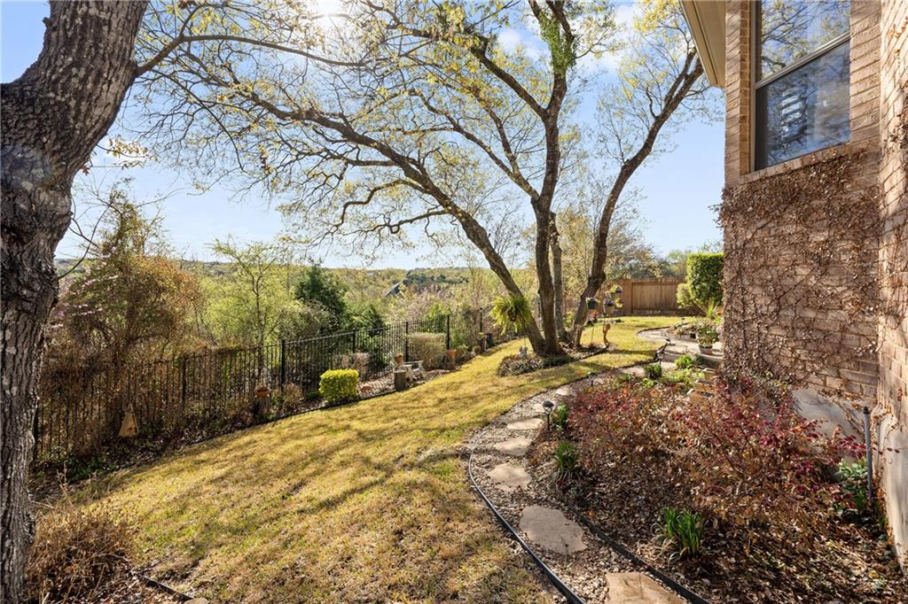 ActiveUnderContract | 13216 Country Trails Lane Austin, TX 78732 37