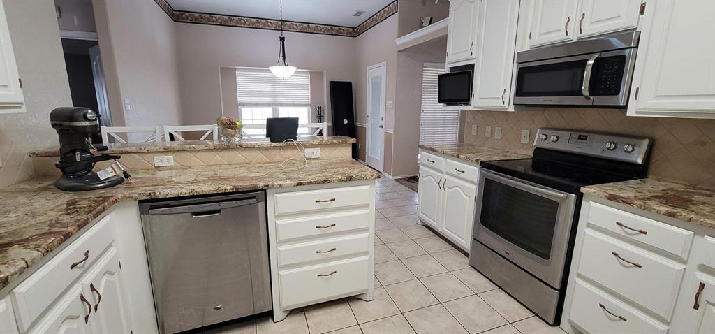 Active Option Contract | 5102 Holly Way Abilene, Texas 79606 7