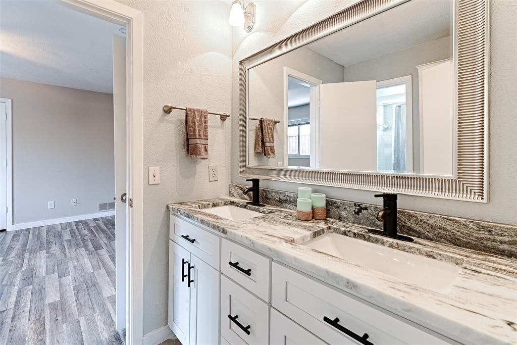 Sold Property   3812 Big Horn Trail Plano, Texas 75075 15