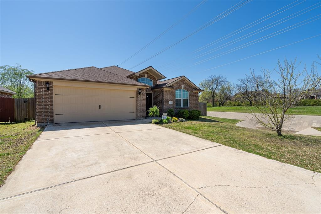 Sold Property   2716 Aspenhill Drive Denton, Texas 76209 3