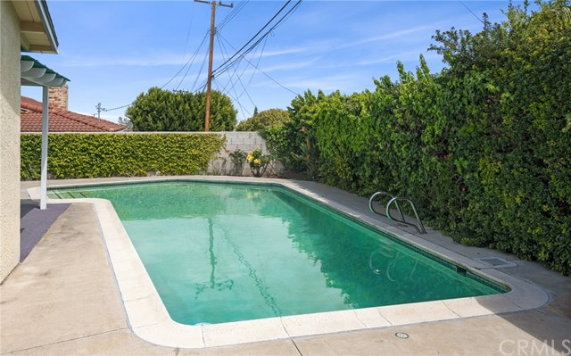 Pending   27602 Fawnskin Drive Rancho Palos Verdes, CA 90275 24