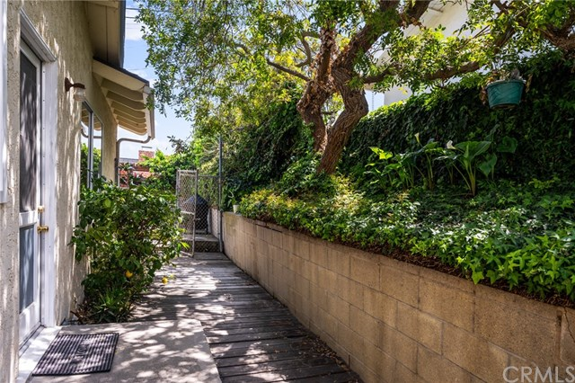 Pending   27602 Fawnskin Drive Rancho Palos Verdes, CA 90275 30